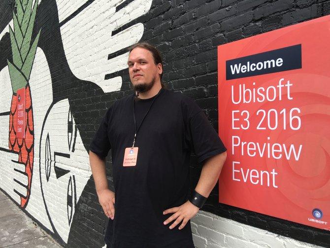 In Los Angeles lässt Ubisoft Onkel Jo mit Ghost Recon Wildlands spielen. Für das Spiel kann man sich ja auch mal martialisch in Pose werfen, oder? ;-)