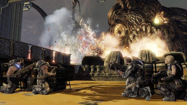 Kopf runter, wenn dicke Monster auftauchen. Das Deckungssystem von Gears of War wurde gerne und oft kopiert.