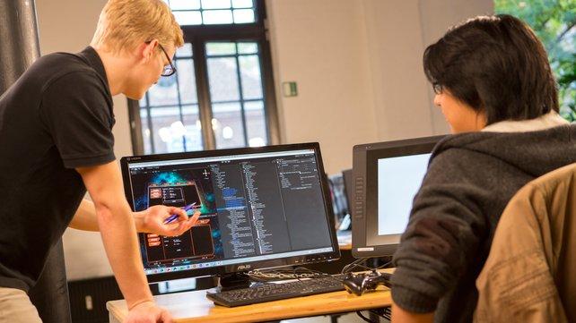 Programmierer sorgen für logische Abläufe und passende Spielmechaniken.