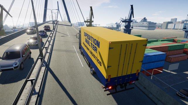 Mit dem Lastwagen transportiert ihr Fracht zwischen norddeutschen Städten.