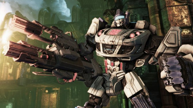 In Transformers - Untergang von Cybertron setzt es Action im Überfluss: Egal, ob ihr ...