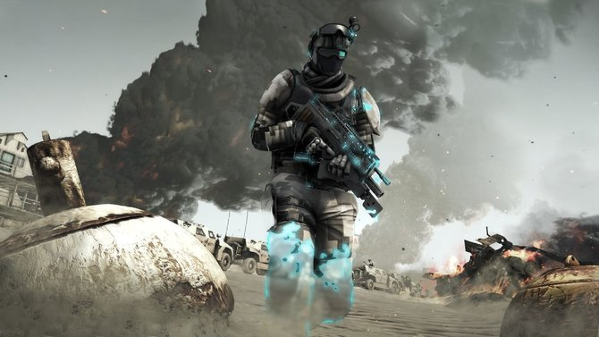 So sieht der Soldat der Zukunft aus: Tarnanzug (Beine), dicke Wumme, Spezialbrille mit eingebauter Anzeige.
