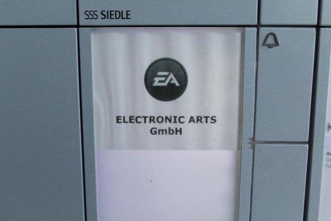 spieletipps zu Besuch in Köln bei EA (l.): ...