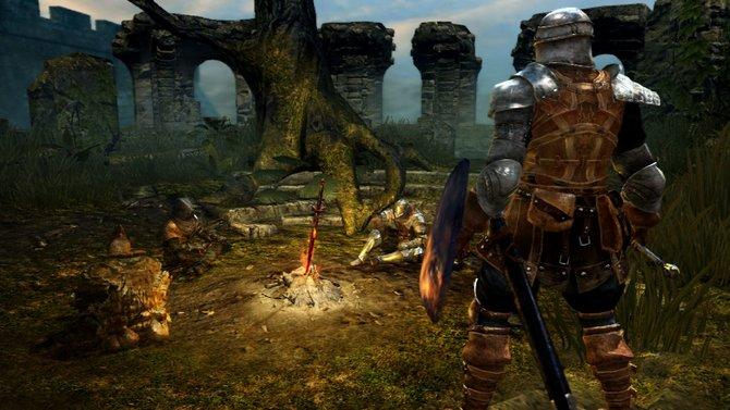 Ihr könnt in Dark Souls zusammen mit anderen Spielern kämpfen. Ebenso könnt ihr und andere ...
