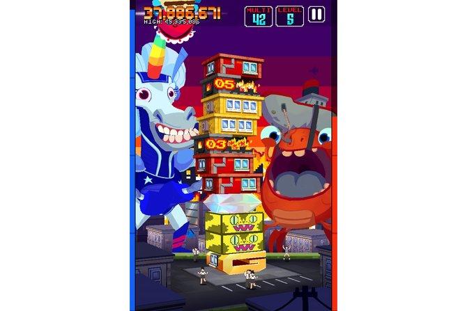 Bei zwei Bomben im Haus (linkes Bild) ist schnelles Handeln gefordert, ansonsten stürzt euer Turm zusammen. Nur mit ...