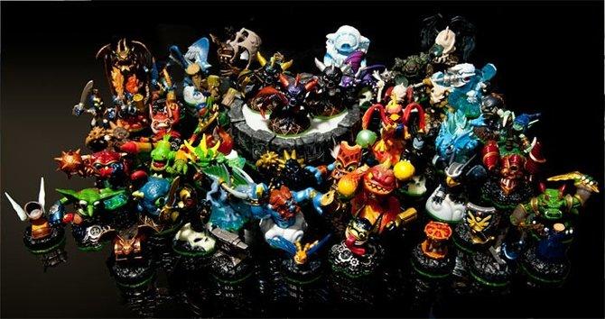 Alle 48 Figuren braucht ihr nicht, um den Abspann zu sehen. Um alle Geheimnisse zu lüften, benötigt ihr je einen Vertreter der acht Spiel-Elemente: Feuer, Wasser, Luft, Leben, Gespenst, Erde, Magie und Technologie.