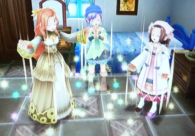 Die drei Schwestern singen die Zeilen aus dem Buch.