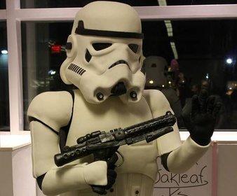 Der lebensgroße Stormtrooper-Kuchen ist zum essen viel zu schade.