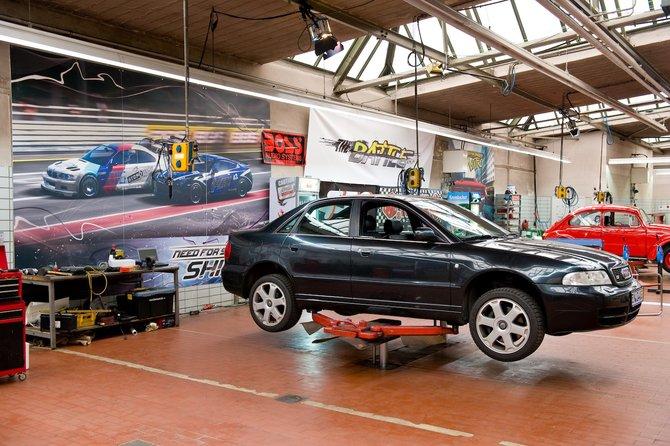 Der Audi S4 stammt aus dem Baujahr 1998, ist 190.000 km ...