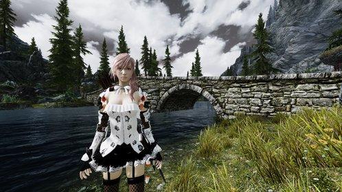Die Heldin aus Final Fantasy 13 wirkt im mittelalterlich anmutenden Skyrim etwas deplatziert.