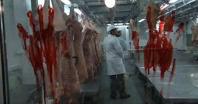 Hersteller Capcom eröffnet als skurrile Werbung für Resident Evil 6 einen Fleischmarkt, auf dem angeblich Menschenfleisch verkauft wird.