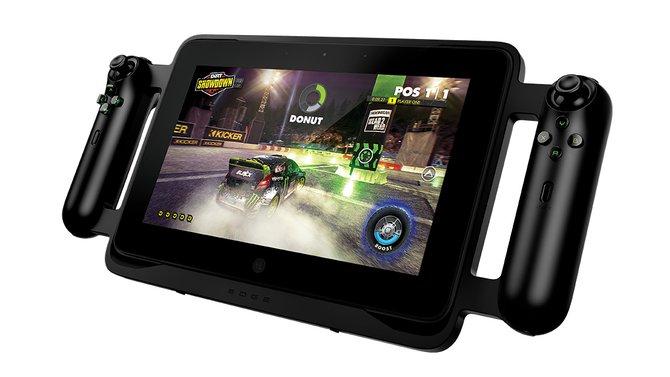 Die seitlichen Gamepad-Griffe gab es schon auf den ersten Bildern von Anfang 2012 zu sehen. Allerdings kosten sie einen happigen Aufpreis.