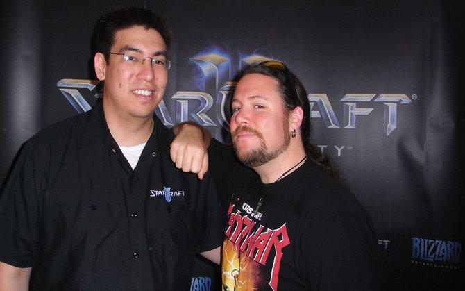 Art-Director Samwise Didier (rechts) und sein Blizzard-Kollege während des Hamburg-Besuchs.