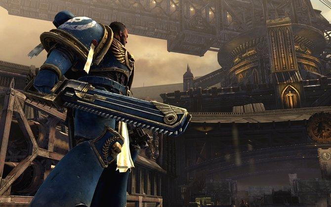 Warhammer 40.000 - Space Marine: Diese Kettensäge ist nicht nur zum Anschauen da.