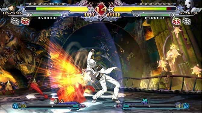 Hazama bearbeitet Arakune ganz in weiß.