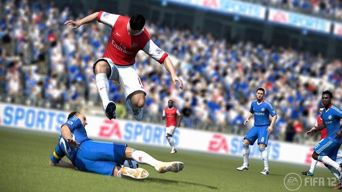 Achtung Grätsche: Flinke FIFA-Spieler überspringen gerne die Rutschattacke.
