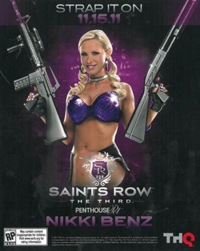 Nikki Benz posiert für das neue Saint's Row auf der Gamescom.
