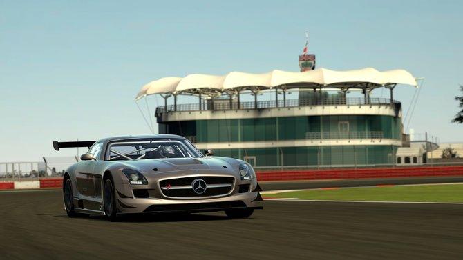 In Gran Turismo 6 rast ihr mit 1.200 Wagen auf neuen wie alten Strecken.