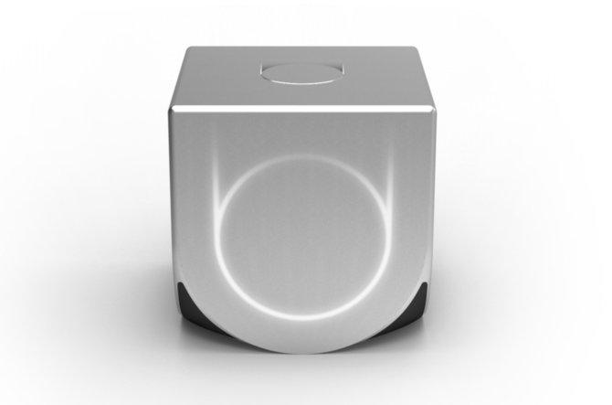 So könnte die Ouya-Konsole aussehen. Wirkt ein bisschen wie ein Gamecube ohne Griff, oder?