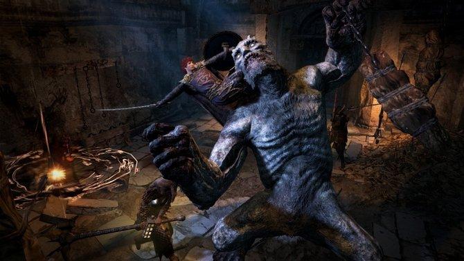 In Dragon's Dogma -Dark Arisen klettert ihr an großen Gegnern einfach hoch ..