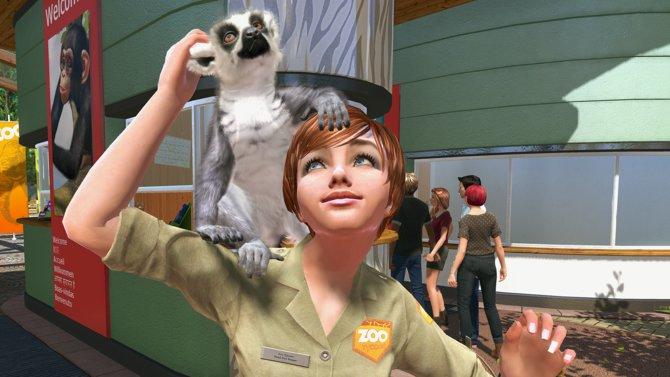 Am Zoo Eingang begrüßt euch eine Mitarbeiterin mit Lemur auf der Schulter.