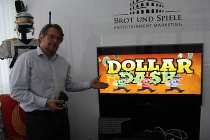 PR-Manager Bernd Bernheide war mit Dollar Dash bei spieletipps zu Besuch.