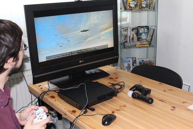 In Hamburg zeigt Jakub Majewski von City Interactive dem spieletipps-Mitarbeiter Alex ...