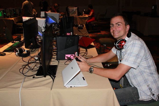 spieletipps-Redakteur Thomas lässt sich die Quakecon 2013 nicht entgehen.
