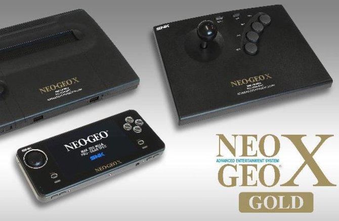 Zum Neo Geo X Gold gehören diese drei Geräte. Neben der Replika der Konsole und dem Controller ...