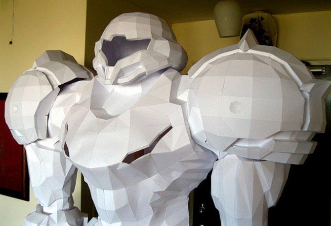 Der imponierende Anzug von Samus Aran aus Papier.