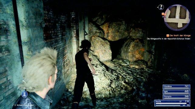 Ihr müsst durch dieses Loch kriechen.