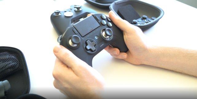 Gut in den Händen liegt er, der Nacon Revolution Unlimited Pro Controller.
