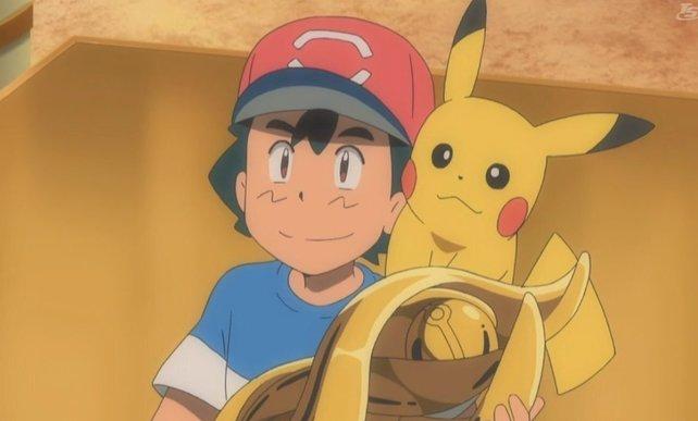 Ash hält die begehrte Trophäe endlich in seinen Händen.