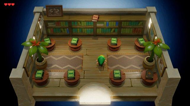 In der Bücherei liegen zwei auffällige Bücher – merkt euch das für später.