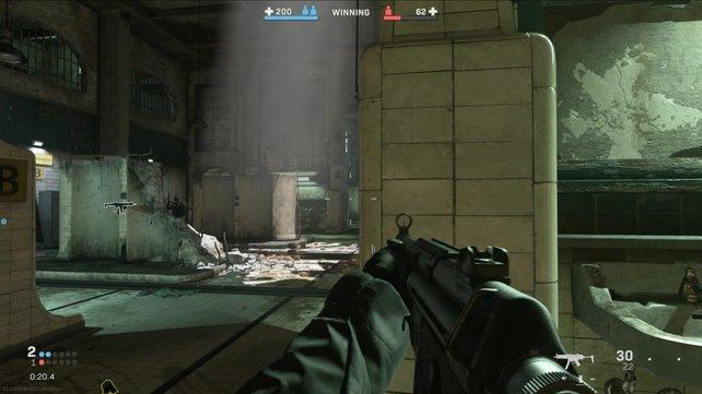 In den Gulag-Duschen tragt ihr hitzige zwei-gegen-zwei-Gefechte im Mehrspielermodus aus.