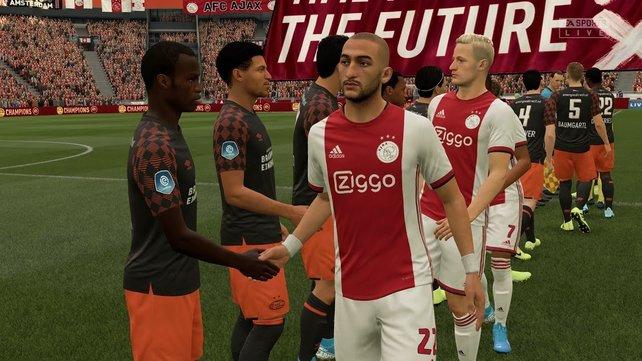 Auch Vereine vermeintlich kleiner Ligen, wie Ajax Amsterdam, bieten ordentlich Potenzial für eine Karriere.