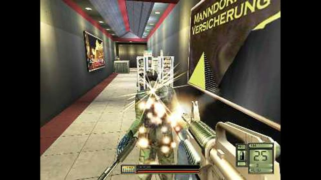 Statt Menschen bekämpft ihr Roboter, die nicht bluten, sondern Funken sprühen. (Bild von schnittberichte.com)