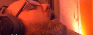 Panorama: Streamer schläft vor der Kamera ein und wird berühmt