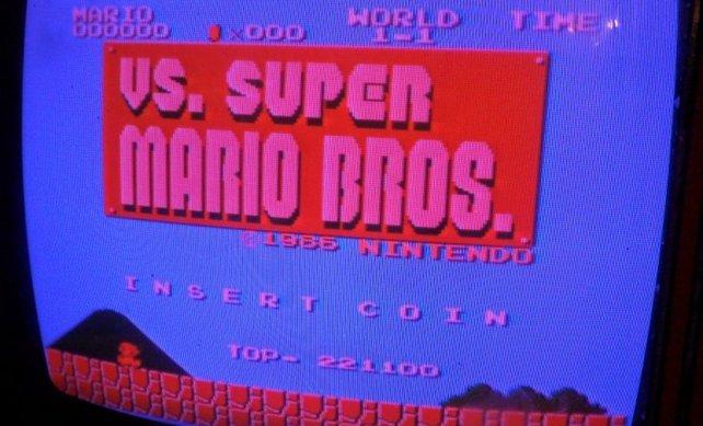Vs. Super Mario Bros. ist eine nur leicht veränderte Portierung des Originals für Arcade-Automaten.