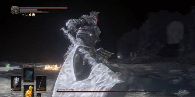 Während der zweiten Kampf-Phase glühen die Augen von Meister Gundyr rot und er wird rasend vor Wut.