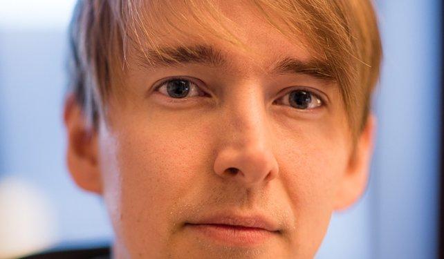 Augenkontakt mit Gesprächspartner Tommy Tordsson Björk von Machine Games.