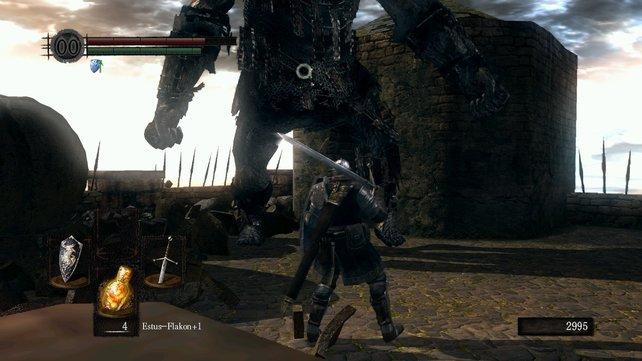 Den Bombenwerfer solltet ihr vor dem Bosskampf unbedingt töten, sonst wirft er ständig Bomben in die Arena.