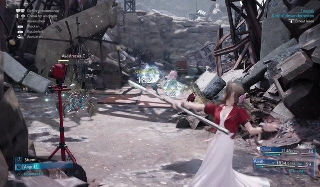 Ihr solltet in den ersten Kämpfen auch mit Aerith spielen, um euch mit ihren Fähigkeiten vertraut zu machen.