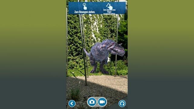 Schaut euch oben die Optionen an, mit denen ihr eure Bilder und Videos noch anpassen könnt. Probiert herum und schafft eure eigenen Dino-Geschichten.