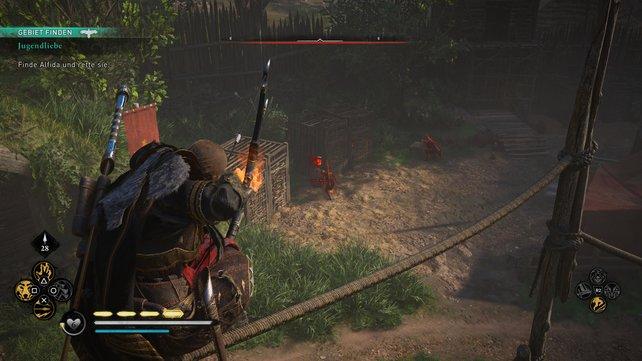 Klettert über die Seile und befreit die Tiere in den Käfigen, um diese auf die Wachen zu hetzen, um für Ablenkung zu sorgen.