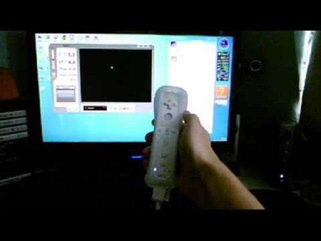 Natürlich sind die Bastler in aller Welt noch längst nicht abgekommen von der inzwischen zehn Jahre alten Wii. So viel Bastelei ist übrigens gar nicht nötig, um mit der Wii-Fernbedienung einen handelsüblichen Computer zu steuern.