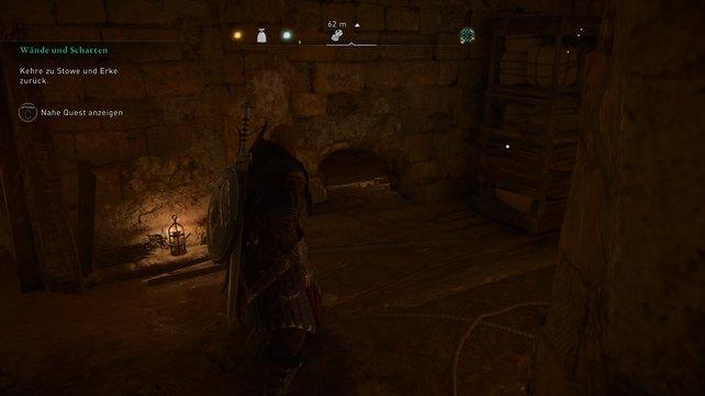 Um die Hinweise im Mithrastempel zu finden, müsst ihr ein Regal beiseite schieben und eine Bretterwand zerstören.