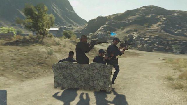 Gemütlich auf dem Sofa sitzen und herumballern? Battlefield Hardline macht's möglich!