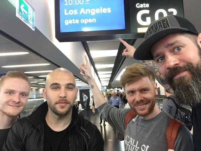 von links: Die Kollegen Tobias und Kadir von der Video-Unit, Stephan von GIGA Games und der Bart mit seinem Markus von spieletipps.