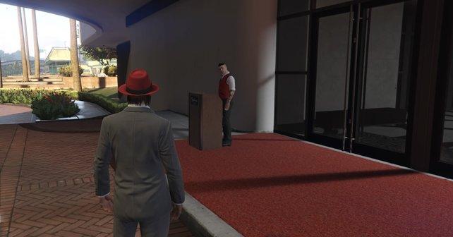 Was tun, wenn man schon alles gemacht hat? Pascal verkleidet sich am liebsten als Parkboy und wechselt in den Geist-Modus, um sich als NPC auszugeben und Casino-Spieler zu veräppeln.